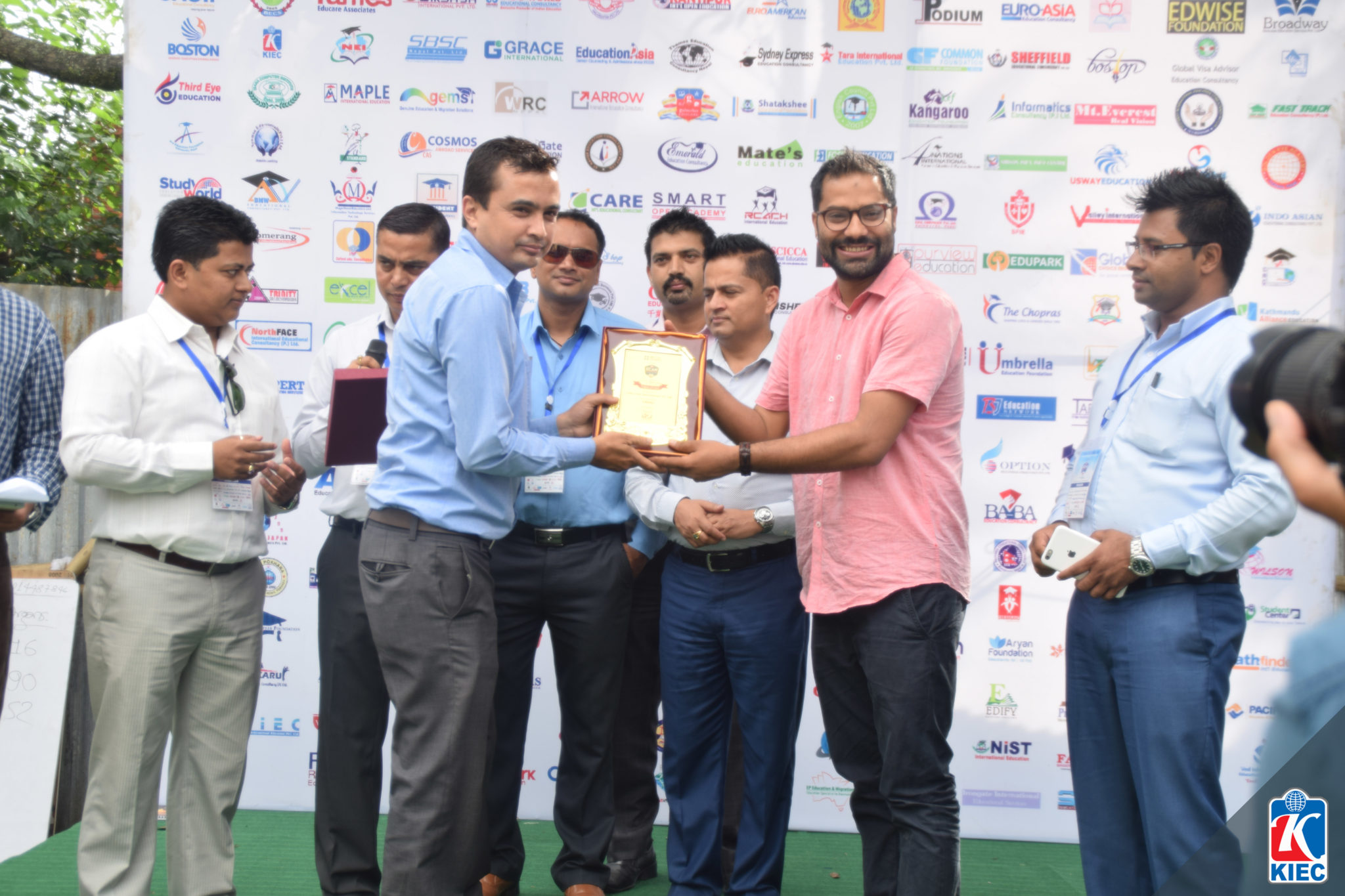 KIEC MD Rajendra Rijal Presenting Token of Love